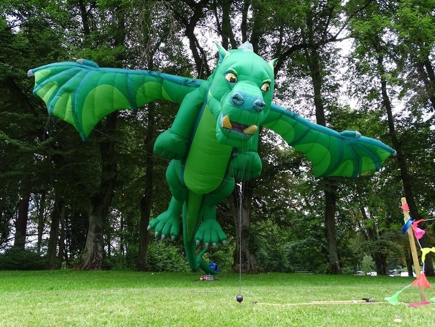 【2018桃園國際風箏節】跟著12公尺巨龍翱翔大溪